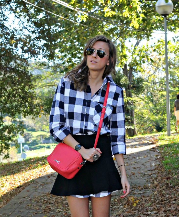 OUTFIT CON CAMISA DE CUADROS - Look and Chic