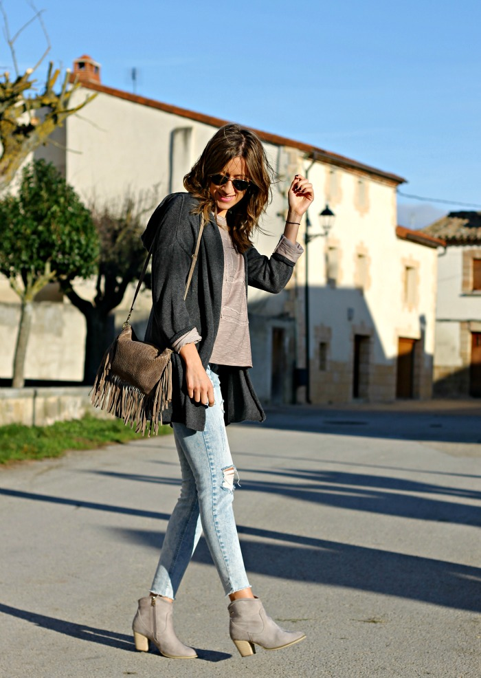 Casual Cardigan Outfits