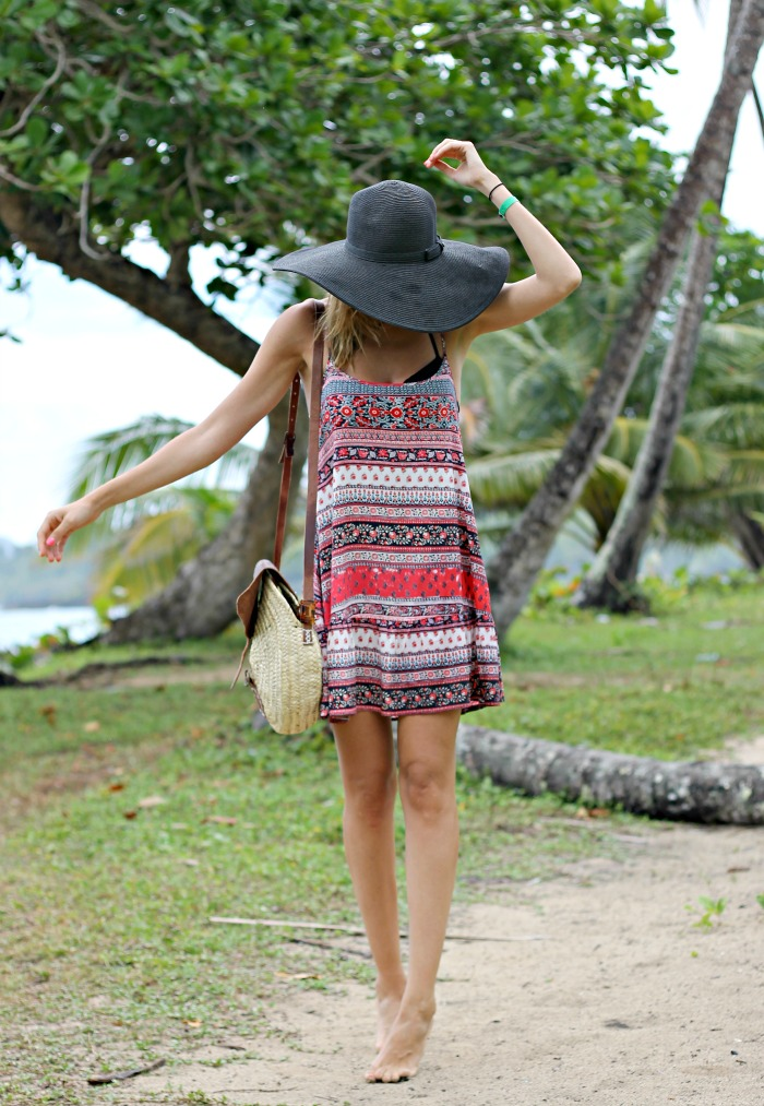 5 TIPS SOBRE COMO VESTIR PARA IR A LA PLAYA - Look and Chic a0f1d2364ac