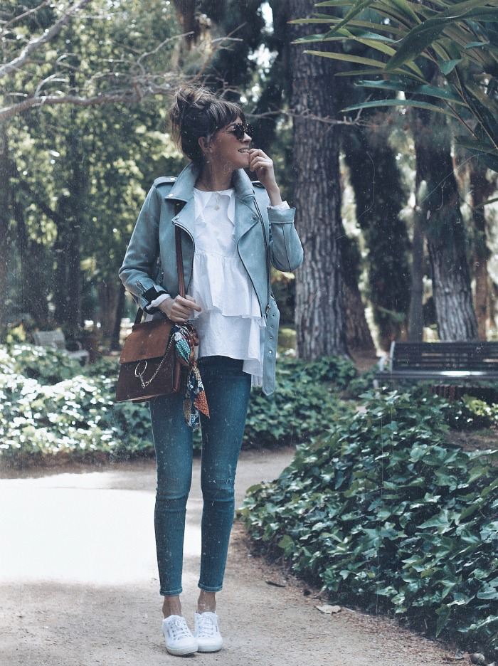 LOOK CON ZAPATILLAS BLANCAS- 3 CLAVES 9