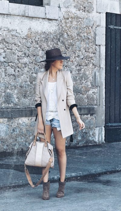 LOOK CON SHORT Y BOTINES 8